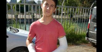 17 Yaşındaki Gençler Satırla Kavga Etti