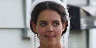 Katie Holmes Gelinlik Giydi
