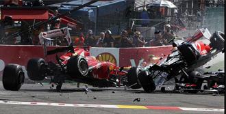 Formula 1'de Korkutan Kaza!