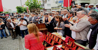Çiftçi AK Partili Aşlık'ı Yuhaladı