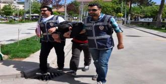 3 Bin Liralık Sigara Hırsızlığına Tutuklama