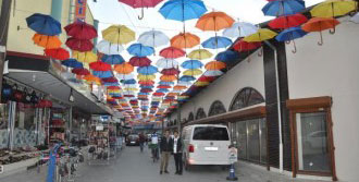 Siptilli Çarşısı Şemsiyelerle Renklendi