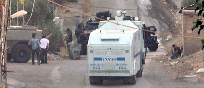 Mardin'de Saldırı: 2 Polis Yaralı