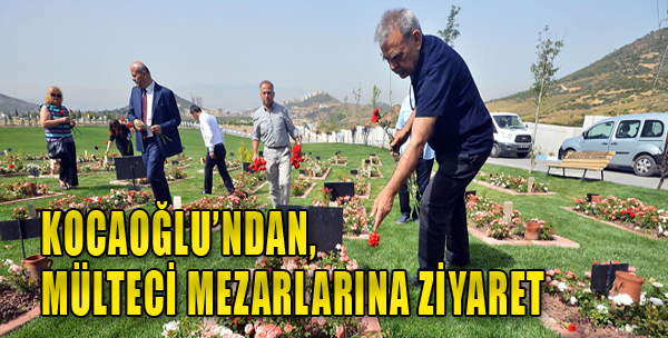 Başkan Kocaoğlu, Mezarlıkta Mültecileri Andı
