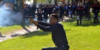 Lokantacı Polisle Çatıştı