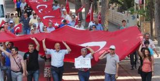 Milas, 'Bayrağa Saygı' İçin Yürüdü
