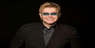 'Putin, Elton John'u Yasakla'