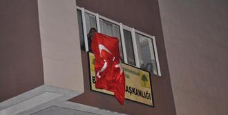 BDP Binasına Türk Bayrağı