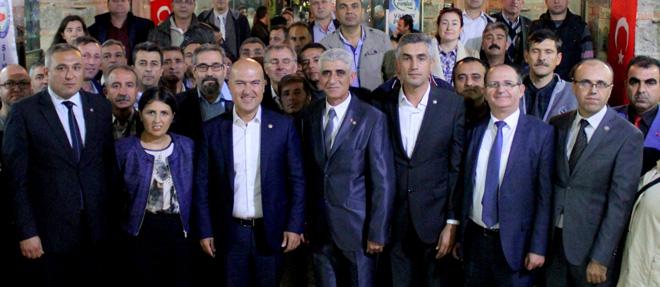 CHP'li Bakan Sivil Memurlarla Buluştu
