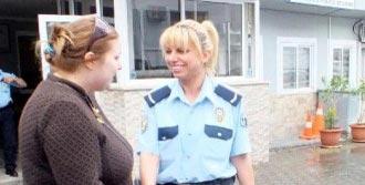 Rus Kadın Turist Sınırdışı Edildi