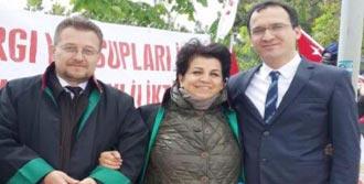 'Adalet Nöbeti' Tutan Avukata Uğur Mumcu Ödülü