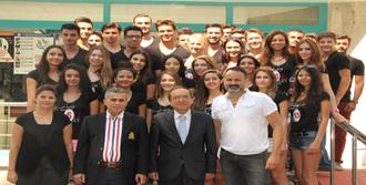 Model Adayları İZFAŞ'ı Ziyaret Etti