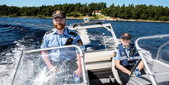 Polis Kendine Ceza Kesti