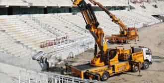 Timsah Arena'nın Çatısı Kapanıyor