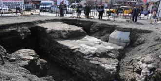 5 Bin Adımlık Kalenin Duvarları Ortaya Çıktı
