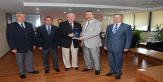 Vali Kıraç'tan DTO'ya Veda Ziyareti