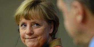 Almanya'dan Referanduma Şartlı Onay