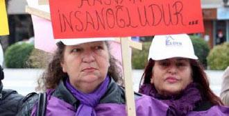 Çanakkaleli Kadınlar Şiddete Karşı Yürüdü