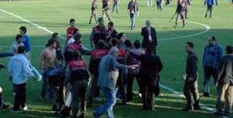 4 Futbolcu Yaralı!