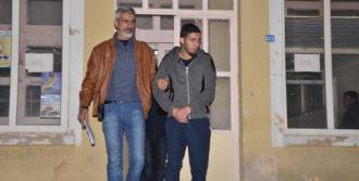 4 Libyalı Tutuklandı