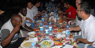 Kızılay Ekmeğini Somali'yle Paylaştı