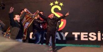 Galatasaray Kafilesi Florya Tesisleri'nde