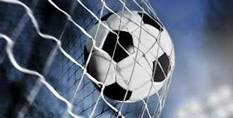 Boş Caddede Futbol Keyfi
