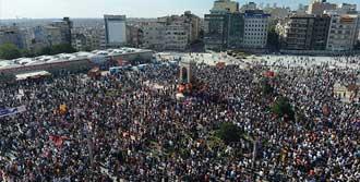 Taksim'de Yeniden Gaz İddiası