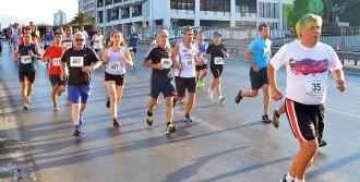 Balbay Yarı Maraton Koştu