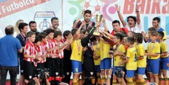 İzmir Balkan CUP'ta Miniklerden Büyüklere Dersler