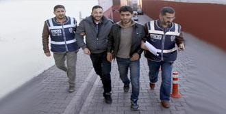 Suriyeliler Kaçak Sigara İle Yakalandı