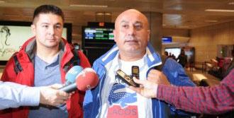 Türk Yolcuları İstanbul'a Geri Gönderdi