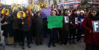 PKK'lı 3 Kadın İzmir'de Anıldı