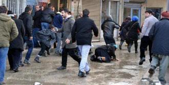 PKK'lı 3 Kadın Anmasına Polis Müdahalesi