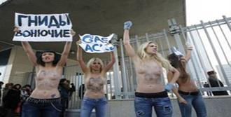 Femen Kilise'de