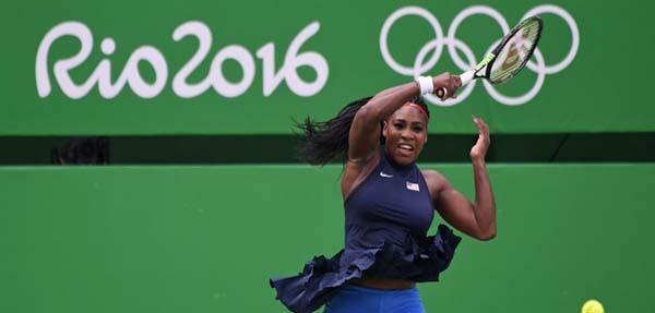 Serena Zorlanmadan Turladı