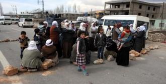 7 Yaşındaki Rabia İçin Yol Kapattılar