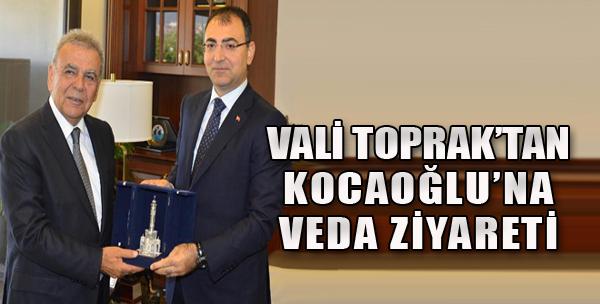 Vali Toprak, Kocaoğlu ile Vedalaştı
