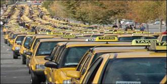 Çeşme'de Turist Çok Taksi Yok