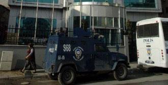 Yeni Akit Gazetesi Önünde Polis Önlemi Devam Ediyor