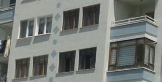 Apartmandaki Yangın Endişe Yarattı