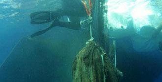 Denizdeki Hayalet Ağlar Balonla Temizliyorlar