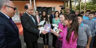 Amasya'da Öğrencilere 50 Bin Kitap