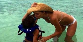 Miranda Kerr, Datça'ya Uğradı