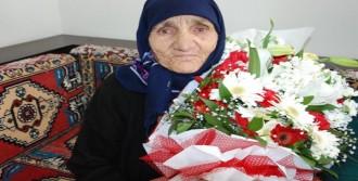 İlk Kez 'kadınlar Günü'nü Kutladı
