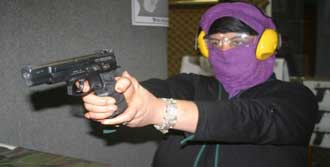Kadınlara 'Şiddetli' Eğitim!