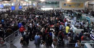 Havalimanında İsyan!