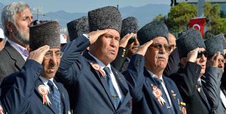 İzmir'de 'Gaziler Günü' Coşkusu