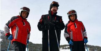 Kornişli Kayan Çocuklar Kayağa Başladı