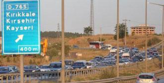 Kırıkkale'de Bayram Dönüşü Yoğunluğu